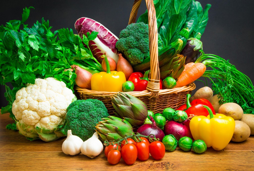 cesta com alimentos bons para saúde dos olhos||||||||||||