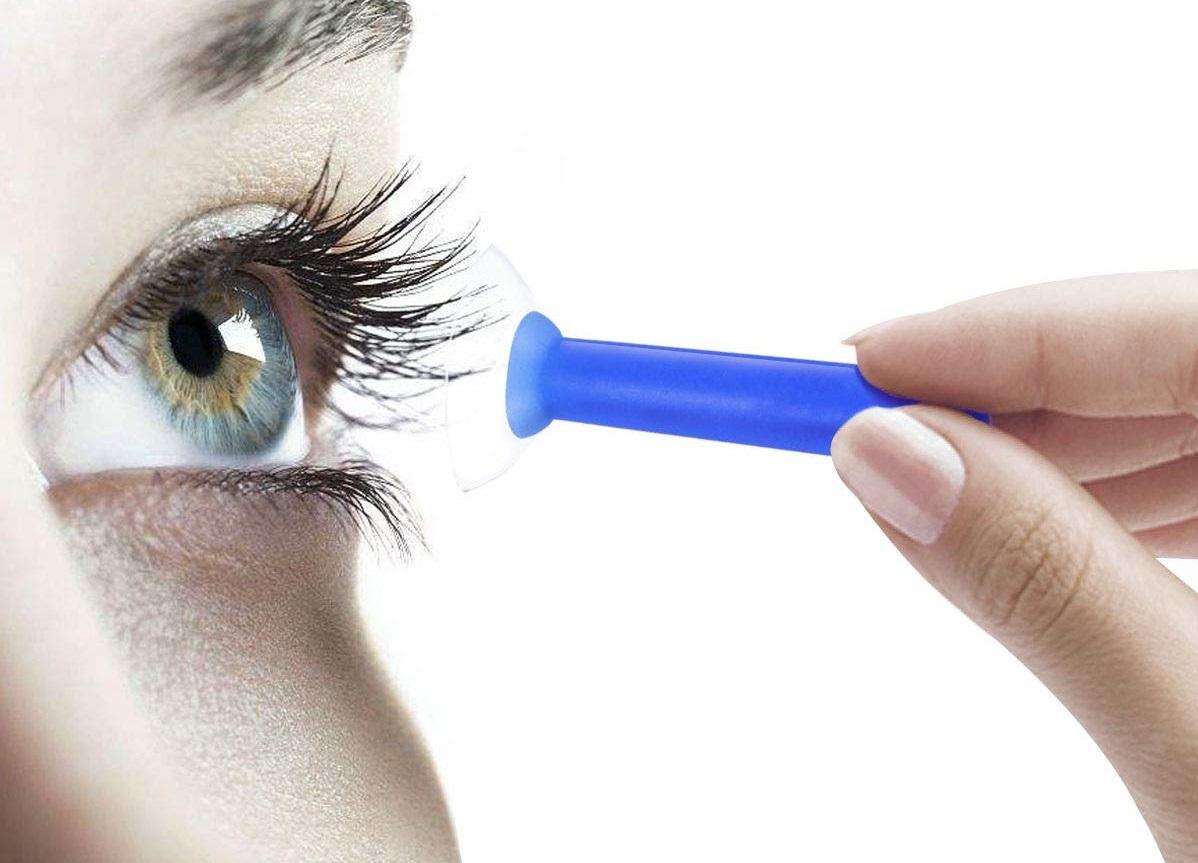 lentes de contato grudam nos olhos