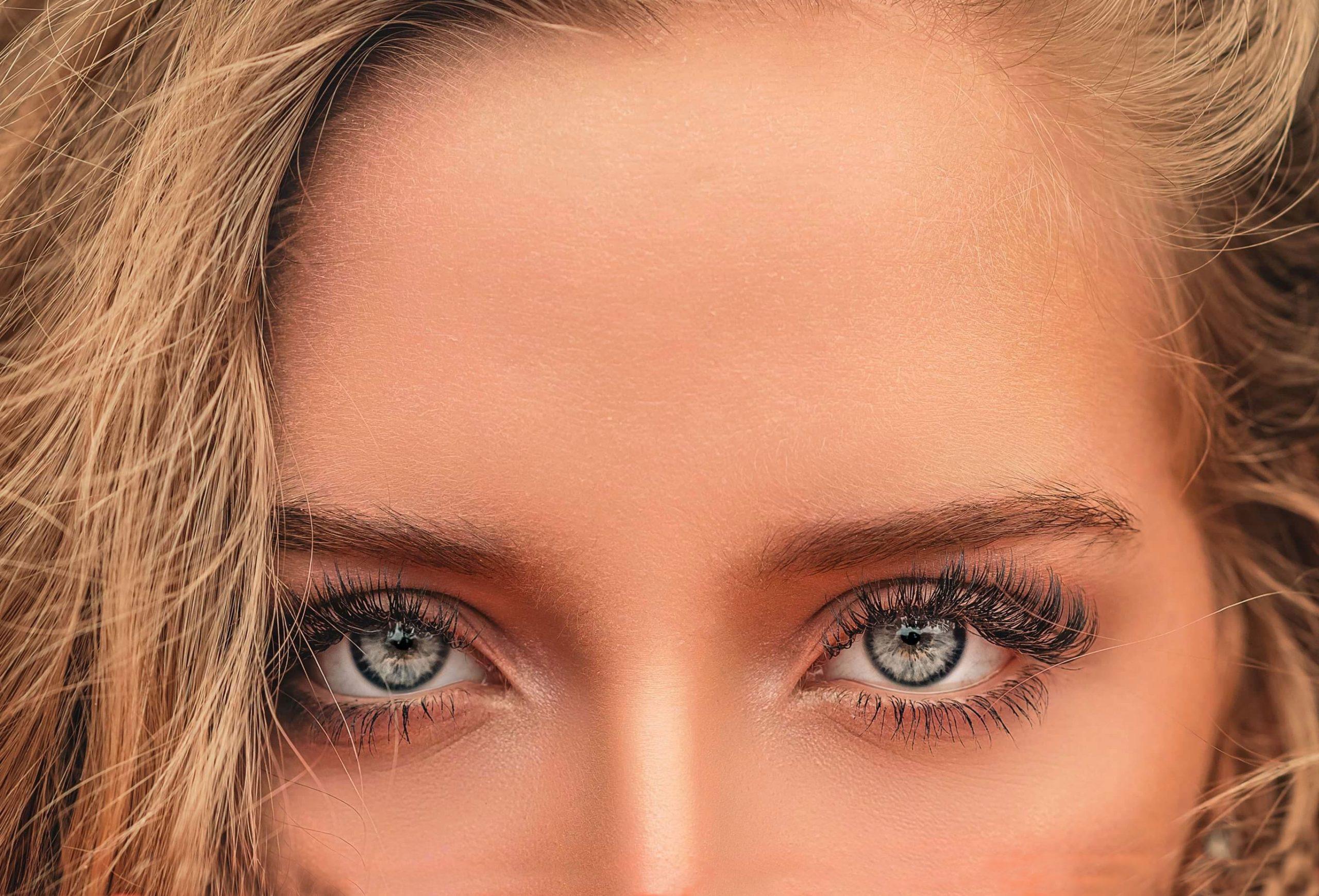 Lentes de contato natural e lentes de contato e cuidados